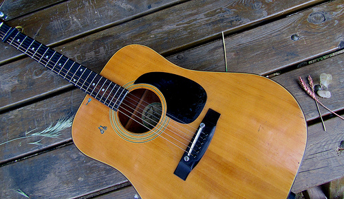 Pero nunca entenderéis a mi guitarra. by JoseAngelGarciaLanda
