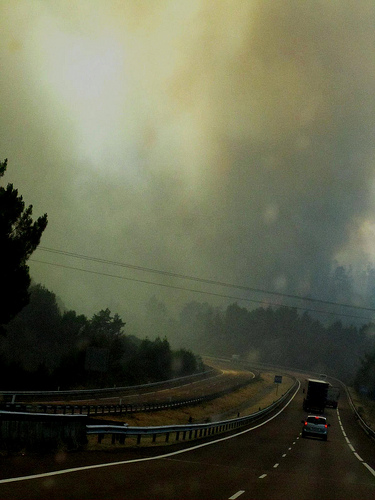 Incendio en el camino 3 by JoseAngelGarciaLanda
