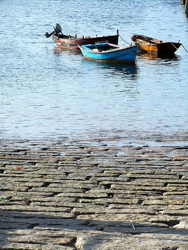 Barcas y rampa by JoseAngelGarciaLanda
