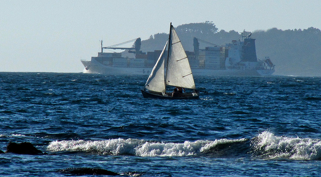 Un barco, otro barco