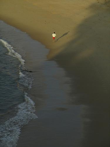 Footing en la playa 2 by JoseAngelGarciaLanda