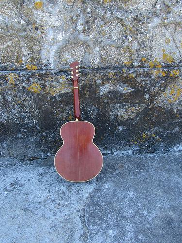 Mi guitarra, Anonymous by JoseAngelGarciaLanda