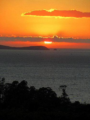 Puesta de sol en naranja by JoseAngelGarciaLanda
