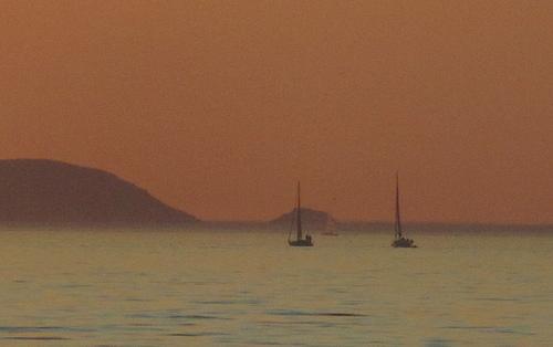 Tres veleros y dos islas by JoseAngelGarciaLanda