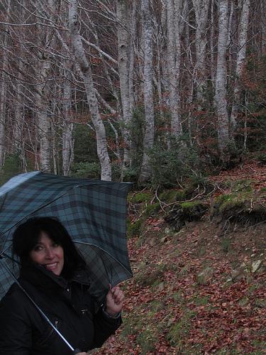 Avec son parapluie by JoseAngelGarciaLanda