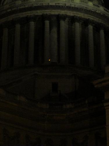 Una luz en el Panteón by JoseAngelGarciaLanda