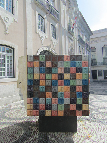 Un monumento / ilusión óptica by JoseAngelGarciaLanda